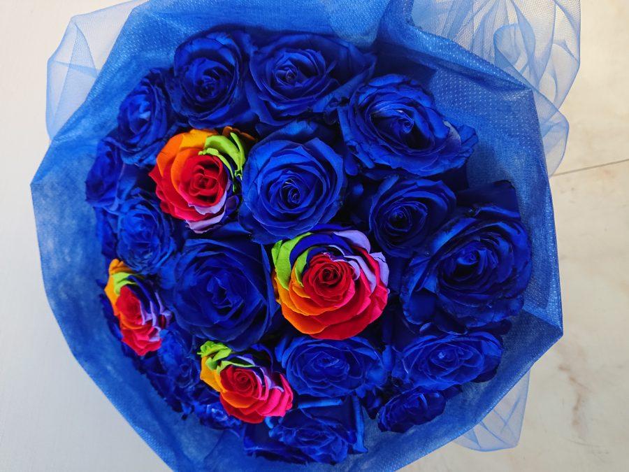 花束 青色 レインボーローズ